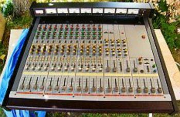 Console de mixage multipistes professionnelle tascam m50 - Table de mixage professionnelle studio ...