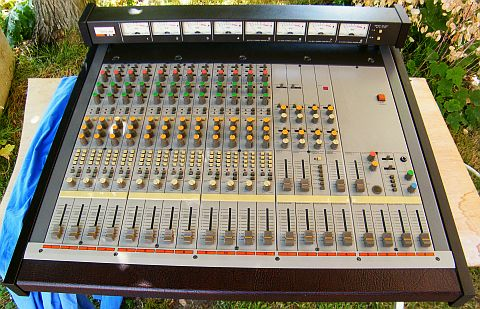 console multipistes TASCAM M-50 état collection